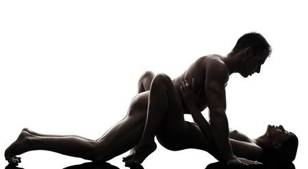 szex: egy kaukázusi pár férfi nő szexuális kamasutra testtartás szeretet tevékenység sziluettje stúdió, fehér, háttér