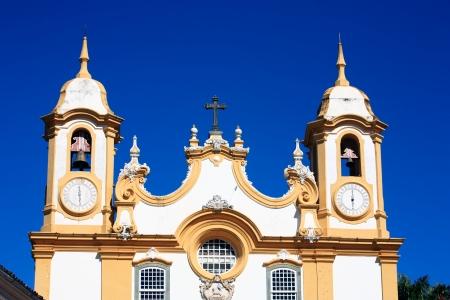 브라질 미나스 제 라이스 주에서 독립 운동가의 전형적인 마을의 Matriz 드 산토 안토니오 교회 교회