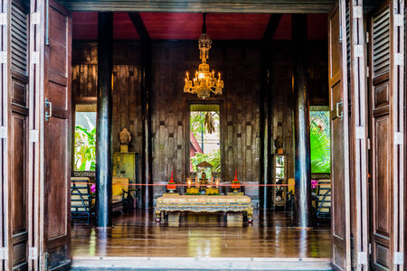 ジム トンプソンの家博物館バンコク タイ仏の祭壇 報道画像
