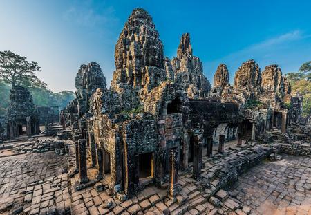 thom: prasat bayon temple angkor thom cambodia