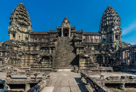 courtyard angkor wat cambodia Фото со стока