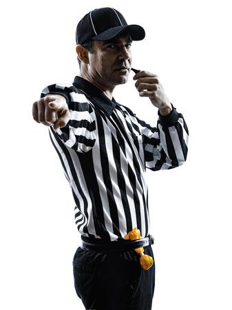 アメリカのサッカーの審判シルエット白い背景の上で口笛を吹く口笛を吹く