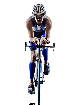 man triatlon iron man atleet bikers fietsers fietsen fietsen in silhouetten op een witte achtergrond Stockfoto