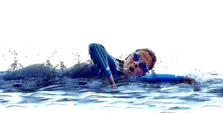 흰색에 여자 트라이 애슬론 철인 선수 수영