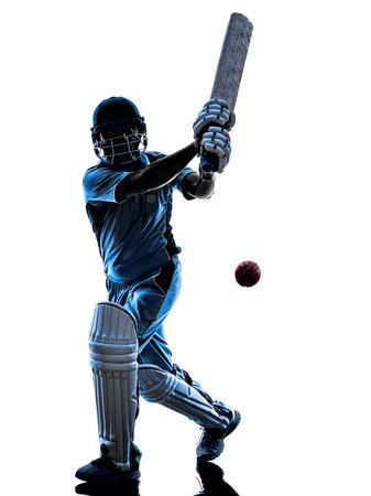 actores: Jugador de cricket bateador en sombra de la silueta en el fondo blanco