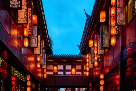 中国四川省成都、Jinli 歩行者通りのちょうちん