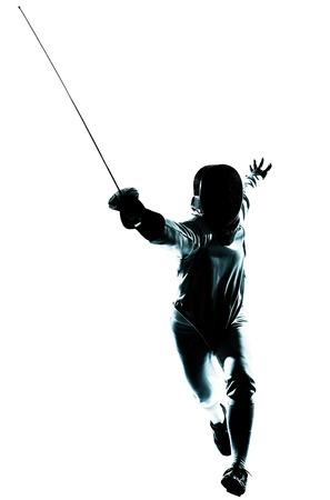 deporte: una silueta de hombre de esgrima en el estudio aislado sobre fondo blanco Foto de archivo