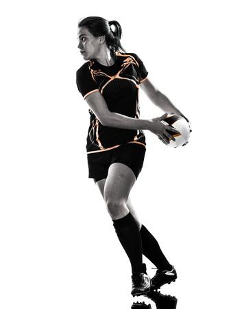 silueta humana: mujer del jugador de rugby en una silueta aislados en blanco apaisada
