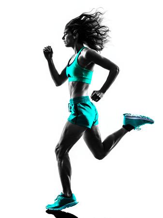 people jogging: una mujer caucásica basculador running trotar en la silueta del estudio aislada en el fondo blanco