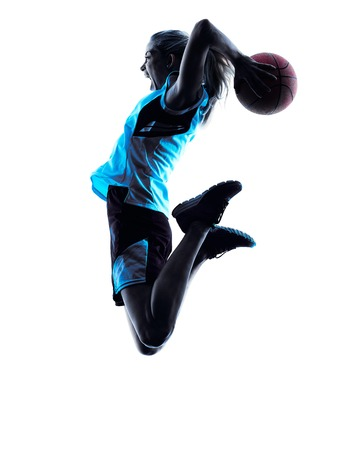 accion: un caucásico mujer del jugador de baloncesto goteo en silueta aislado fondo blanco Foto de archivo