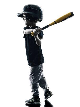 softbol: ni�o que juega jugador de softball en la silueta aislado en el fondo blanco