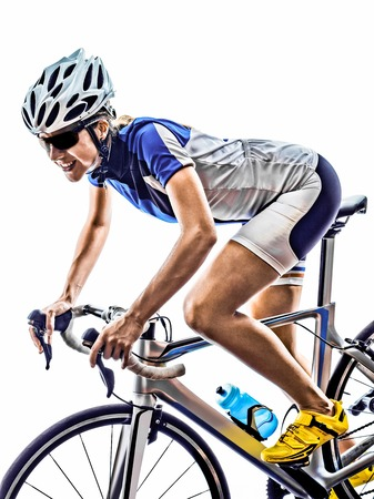 ciclista: Mujer triatl�n ironman ciclismo ciclista atleta en el fondo blanco Foto de archivo