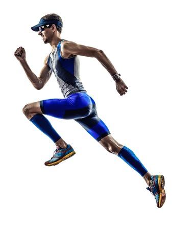 profil: Człowiek triathlon biegaczy iron man sportowiec działa w sylwetka na białym tle