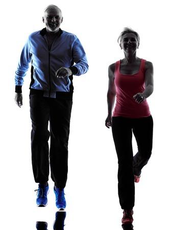 ein Paar kaukasisch Senior Fitness-Übungen Silhouette in Silhouette Studio isoliert auf weißem Hintergrund