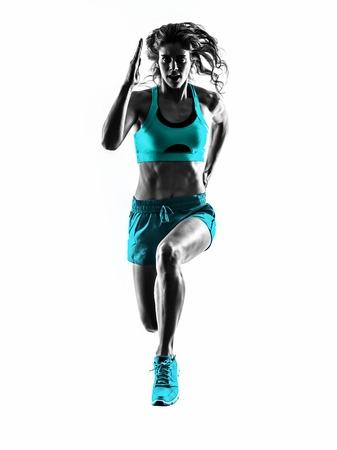 白い背景に分離されたスタジオ シルエットでジョギング ジョガーを実行している 1 つの白人女性ランナー