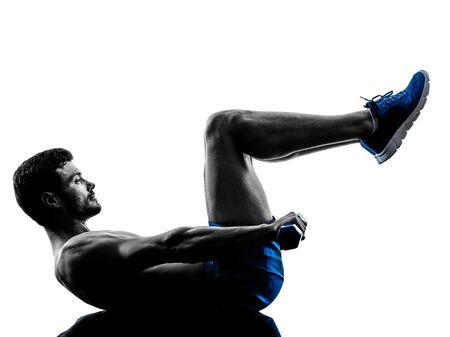seins nus: un homme de race blanche poids craquements exer�ant exercices de remise en forme en silhouette studio isol� sur fond blanc