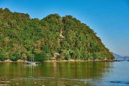 palawan: playa Marimegmeg El Nido de Palawan Filipinas