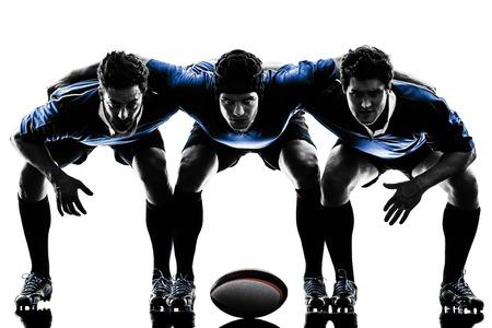 een blanke rugby mannen spelers in de studio silhouet geïsoleerd op witte achtergrond