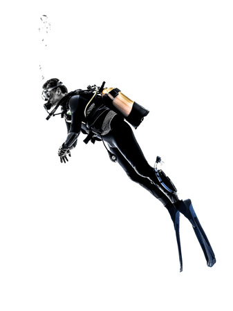bonhomme blanc: une plong�e caucasien diving homme en silhouette studio isol� sur fond blanc