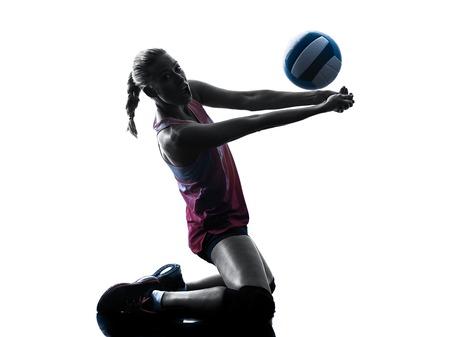 člověk žena kavkazský volejbal ve studiu silueta na bílém pozadí