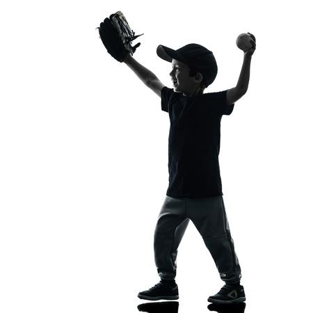 silueta niño: jugar jugadores de softbol en la silueta del niño aislado en fondo blanco Foto de archivo