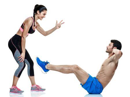 un hombre caucásico pareja y una mujer haciendo ejercicios de fitness aislados sobre fondo blanco