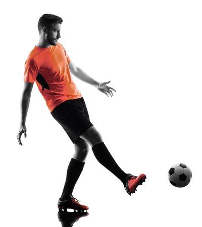 jugadores de futbol: un caucásico Jugador de fútbol hombre en silueta aislado en backgound blanco