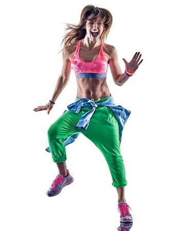 donna che balla: una donna caucasica esercizi di esercizio di fitness ballerino ballo in studio isolato su sfondo bianco