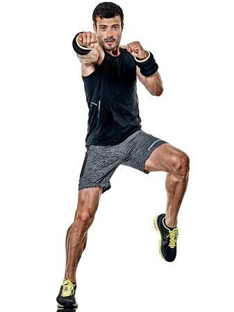 Een blanke fitness man uitoefenen cardio boksen oefeningen in studio geïsoleerd op een witte achtergrond Stockfoto - 81549456