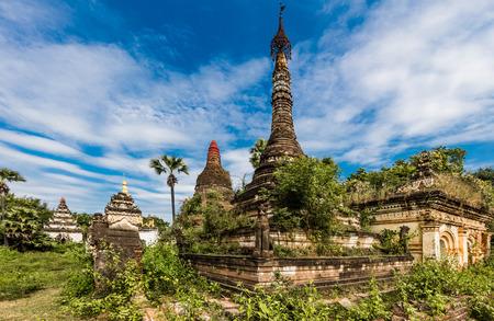 A-Myint ruïneert het oude stadsdorpje in Chaung-U township nabij Monywa