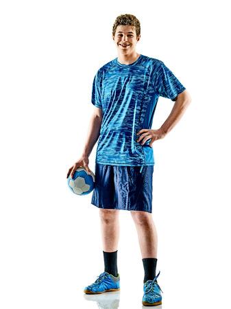 een blanke handbalspeler tienerjongen in studio geïsoleerd op een witte achtergrond