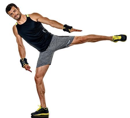 1人の白人のフィットネス男は、白の背景に孤立したスタジオで心肺運動ボクシングの演習を行います 写真素材 - 85768604