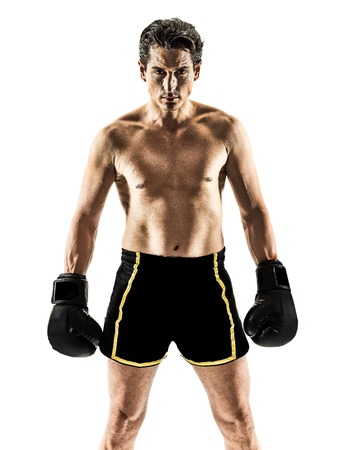 흰색 배경에 고립 된 하나의 백인 무아 타이어 킥복싱 kickboxer 타이 복싱 남자