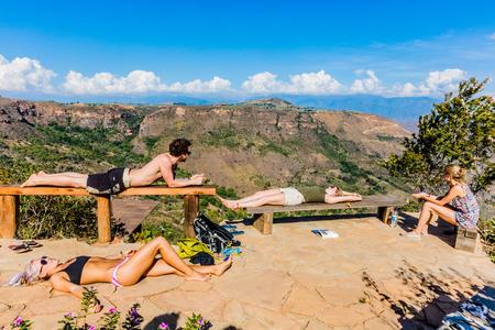 Los Santos , Colombia  - February 12, 2017 : Tourist sunbathing Mesa de Los Santos landscapes andes mountains Santander in Colombia South America 新聞圖片