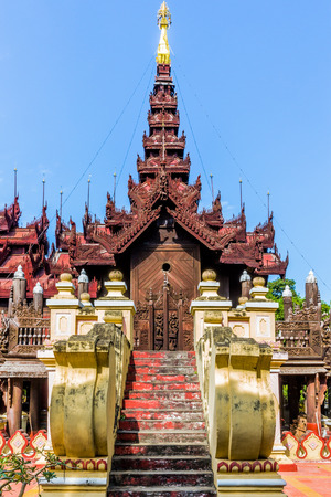 Shwe In Bin Monastery in Mandalay city Myanmar (Burma) 스톡 콘텐츠 - 123325337