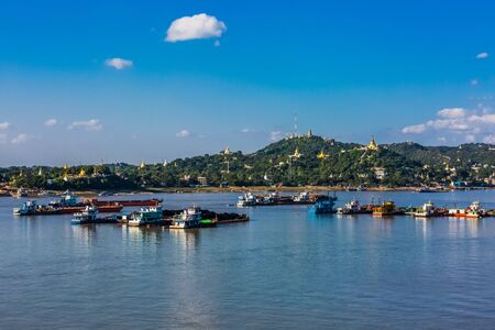 Sagaing hills  and the Ayarwaddy River  skyline  Myanmar (Burma) Reklamní fotografie