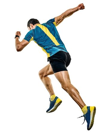 Un bel homme mûr de race blanche running runner jogging jogger isolé sur fond blanc