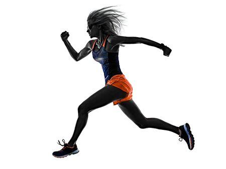 Hermosa mujer corredor jogger trotar corriendo aislado fondo blanco.