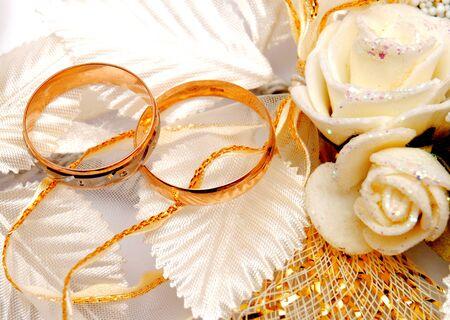 weddingrings: Wedding rings and wedding flowers Stock Photo
