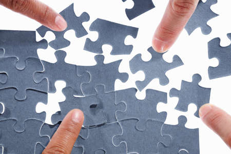 strategy decisions: Fingers trying to solve the scattered puzzle