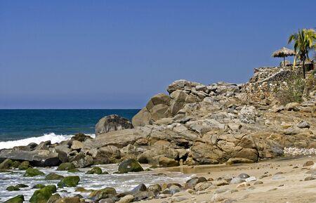 rocky point: Punto rocciosa dal Pacifico messicano in Sayulita, Nayarit Archivio Fotografico