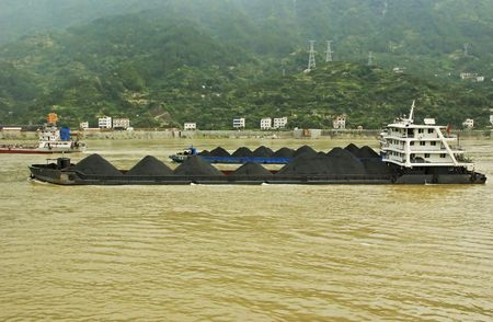 yangtze: Coal barges on the Yangtze river in Central China Stock Photo