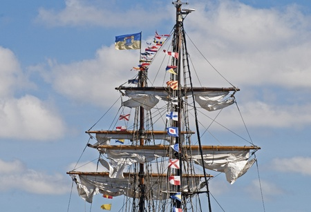 rigger: Masts and spars of a windjammer - Partial view