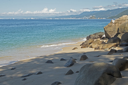 Mexican Pacific Ocean bay with Puerto Vallarta in background 版權商用圖片