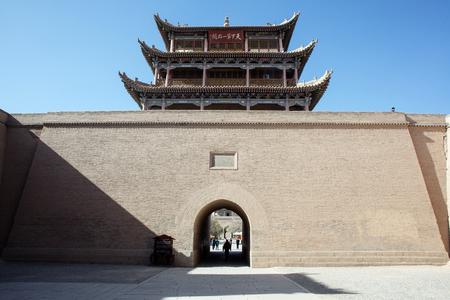 jiayuguan pass tower: Jiayuguan