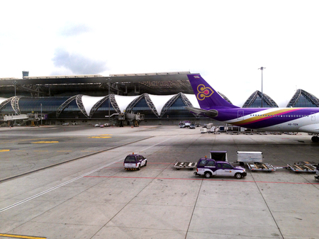 airway: Thai Airway Flight at Suvanaphumi Airport, Bangkok Editorial