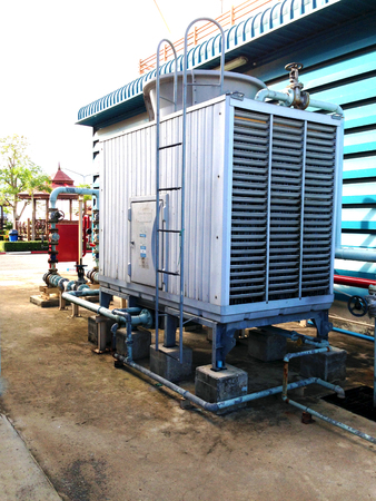chiller: cooling tower