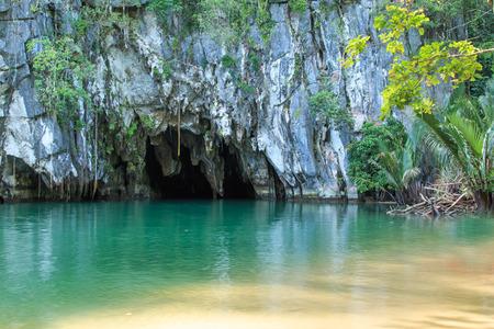 El río subterráneo de Puerto Princesa, Palawan, Filipinas Foto de archivo - 36076387