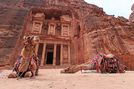 khazneh: The Treasury Al Khazneh in Petra, Jordan