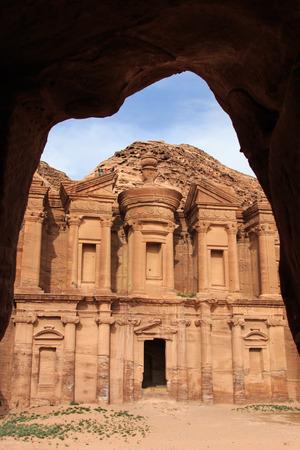 siq: Ancient temple in Petra, Jordan Stock Photo